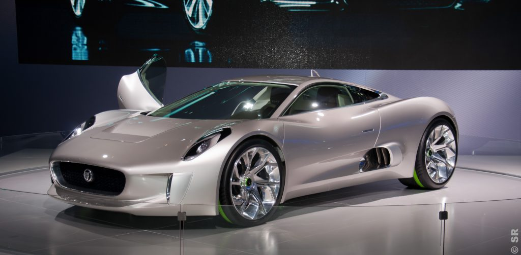 Jaguar C-X75 using micro-turbine as range extender