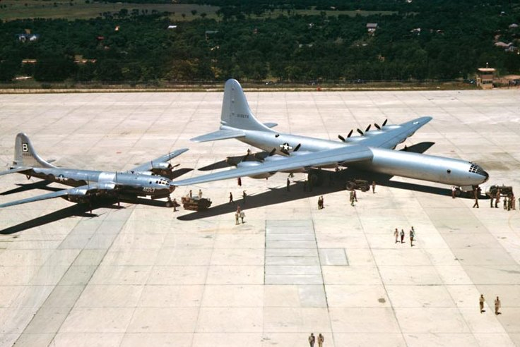 B-36aarrivalcarswell1948